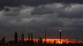 Gulf Coast refineries restart after hurricane scare