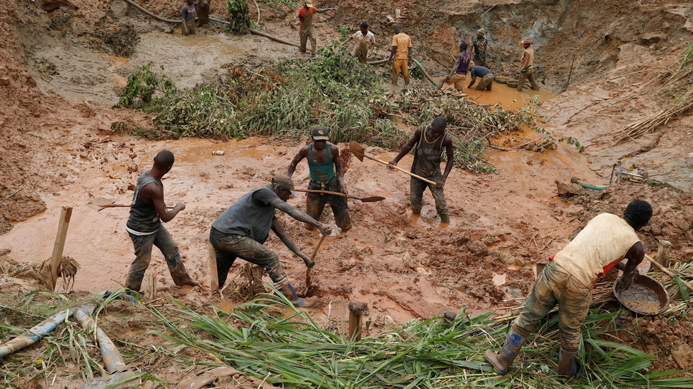 Gold mine collapses in Congo, leaves +50 expected deaths