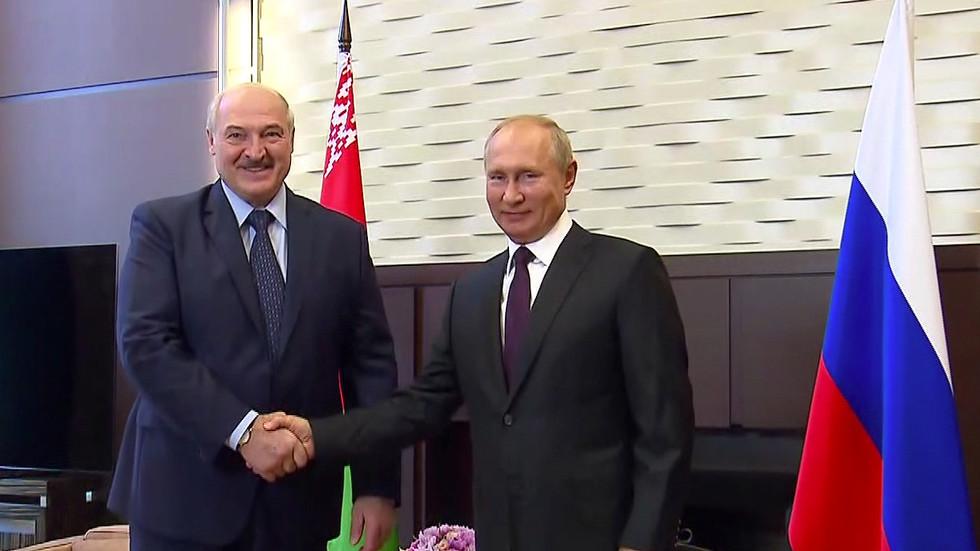 Kremlin says it considers Lukashenko to be legitimate president of Belarus, as Putin agrees a $1.5 billion loan for Minsk