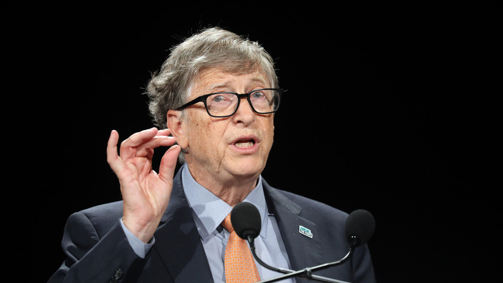 Bill Gates doubts FDA & CDC can be trusted on Covid & vaccines. Sure, let's trust a non-doctor billionaire who pays media instead