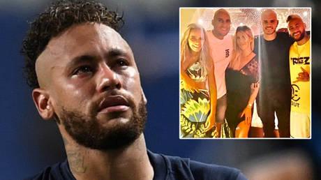Neymar holidayed with Paris Saint-Germain players and their families in Ibiza © David Ramos / Pool via Reuters | © Instagram / wanda_icardi