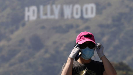 FILE PHOTO: The Hollywood sign in Los Angeles, California, the US © Reuters / Patrick T. Fallon