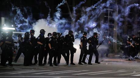 © REUTERS/Brendan McDermid