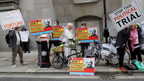 Julian Assange extradition hearing: Why justice must not only be done, but be 'seen' to be done – literally