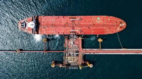 Russian fuel oil is a hit in US