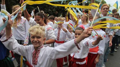 Participants of the Vyshivanka parade wearing traditional embroidered Vyshivanka garments during the Ukraine's Independence Day Parade in Kyiv. © Sputnik / Grigory Vasilenko