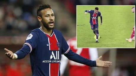 Neymar put his full array of skills on display for PSG at Reims. © Reuters /  Twitter @jetlu2002