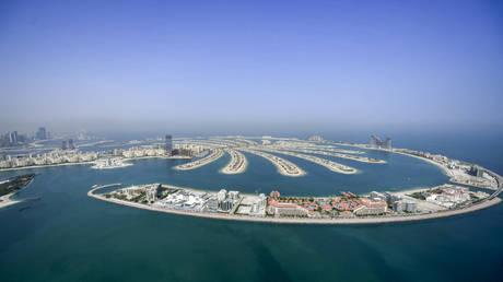 FILE PHOTO: The man-made Palm Jumeirah archipelago off the Gulf emirate of Dubai © AFP / Karim Sahib