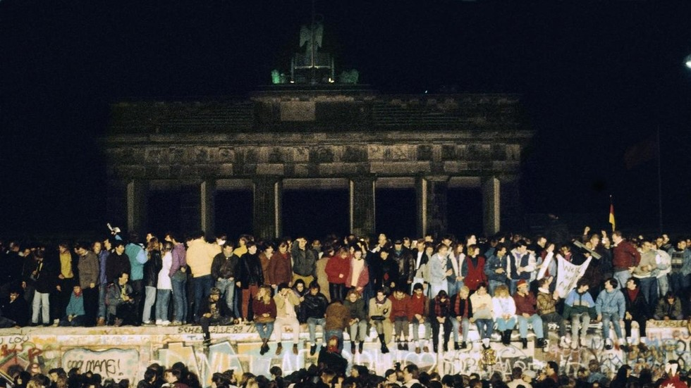 Less than the sum of its parts: German reunification thirty years on