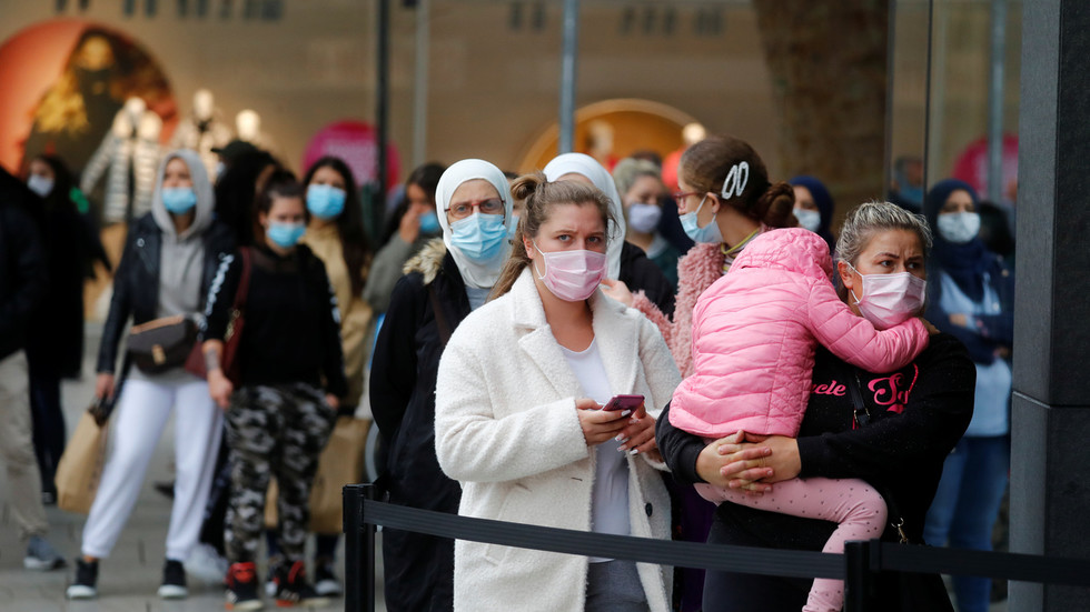 Letting coronavirus spread freely for 'herd immunity' is unethical, says WHO
