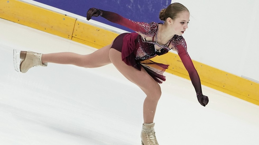 True record-breaker! Russia's figure skating prodigy Alexandra Trusova makes history by landing QUAD LOOP (VIDEO)