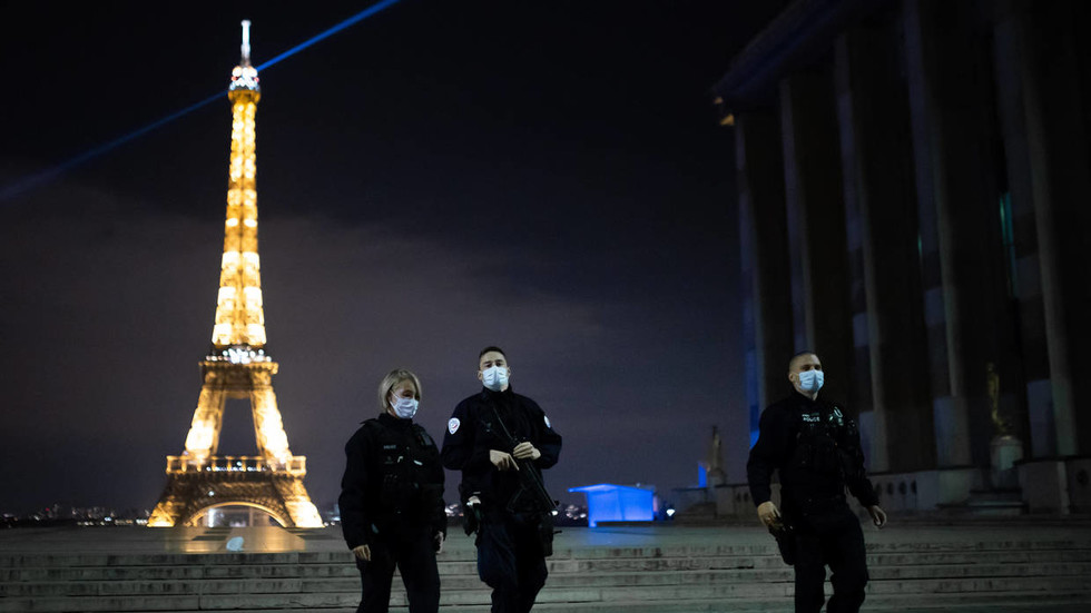 'Go home to your own country!': Two women arrested for apparent racially aggravated knife attack near Paris' Eiffel Tower