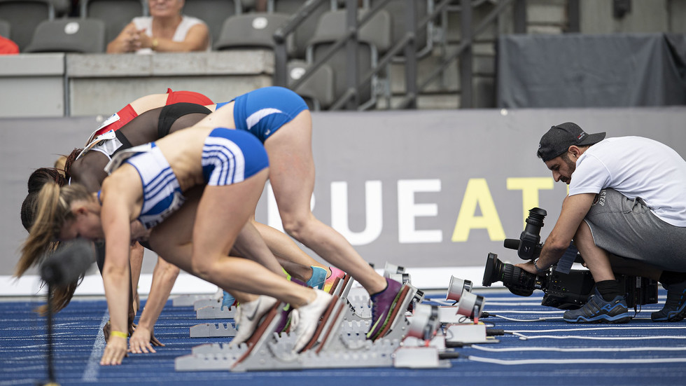 No zooming in on breasts or buttocks: Japanese Olympic Committee 'to stop female athletes being depicted in sexualized photos'
