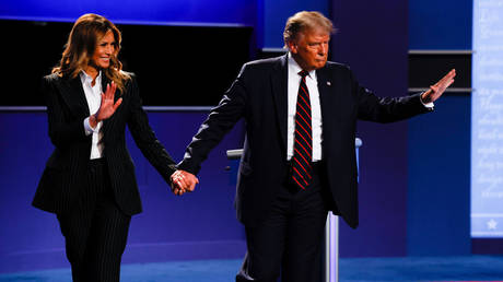 US President Donald Trump and first lady Melania Trump during presidential debate in Cleveland, Ohio, September 29, 2020. © Brian Snyder / Reuters