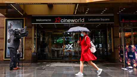 FILE PHOTO: Cineworld in Leicester's Square, London, Britain © Reuters / Henry Nicholls