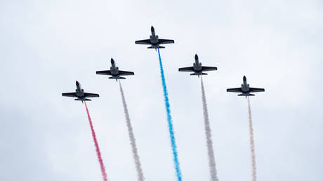 Five US-made F16 jets fly over the Presidential Office during Taiwan's National Day. 10.10.2020 TAIPEI, TAIWAN