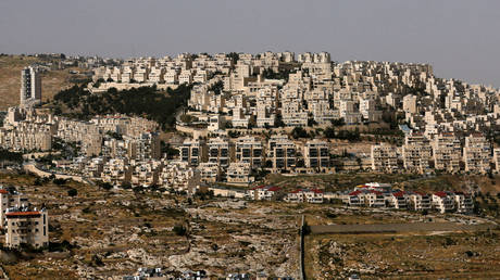 A view shows the Israeli settlement of Har Homa in the Israeli-occupied West Bank, May 19, 2020. © Reuters / Mussa Qawasma / File Photo