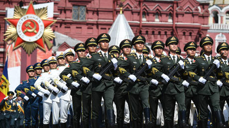 Servicemen of the Chinese Armed Forces march along Red Square in Moscow during the military parade to commemorate the 75th anniversary of Victory in World War II. © Sputnik / Ramil Sitdikov