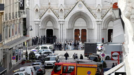 Security forces guard the area after a knife attack at Notre Dame church in Nice, France, October 29, 2020. REUTERS/Eric Gaillard