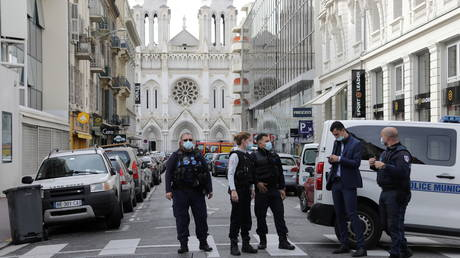 Security forces guard the area after a knife attack at Notre Dame church in Nice. © Reuters / Eric Gaillard