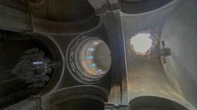 Two Russian journalists & their guide injured in shelling of iconic 19th century cathedral in Nagorno-Karabakh (PHOTOS & VIDEO)
