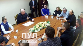 Belarus' Lukashenko meets JAILED opposition activists, talks constitutional reform