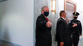 White House Chief of Staff Meadows bashed for refusing to speak to press with a mask on in hectic exchange