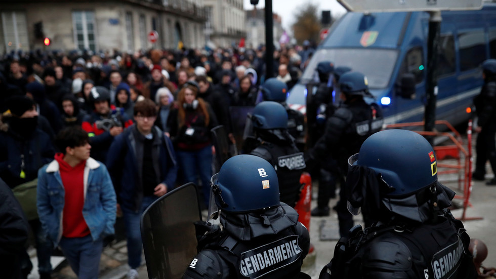 French move to outlaw images of police at work is a clumsy attempt to hide the everyday brutality that passes as law enforcement