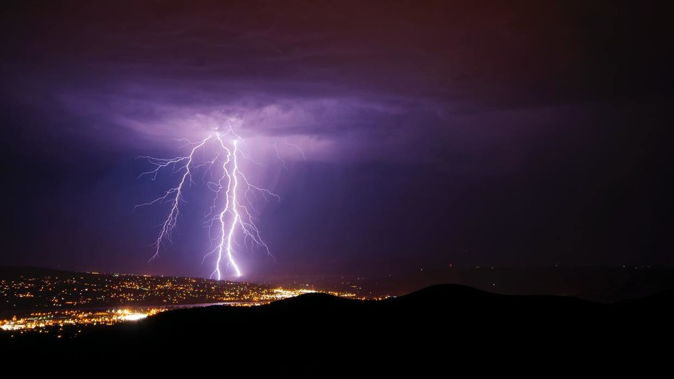 Scientists detect 'superbolt' lightning strikes that hit with more power than entire US solar, wind energy capacity - RT