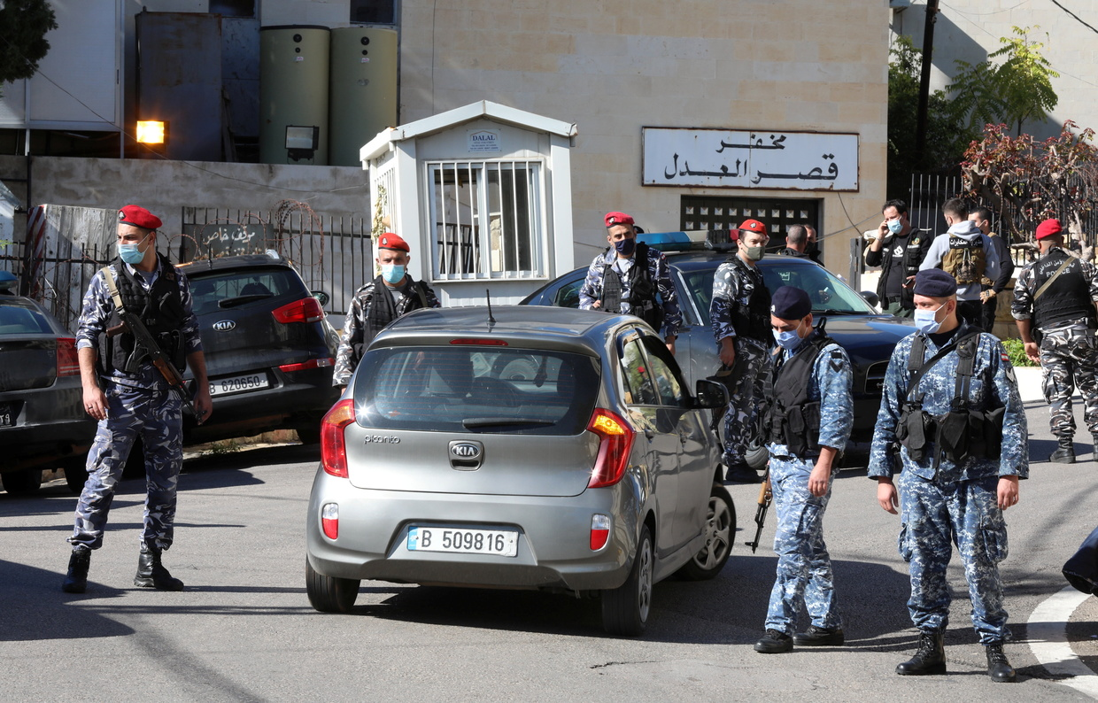 69 inmates flee in massive prison break in Lebanon, 5 killed as their car hits tree during chase