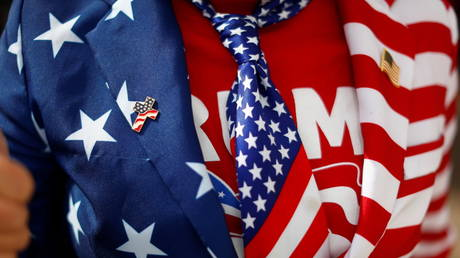 A supporter wearing the colors of the U.S. flag attends a rally from Donald Trump Jr for U.S. President Donald Trump © REUTERS/Edgard Garrido