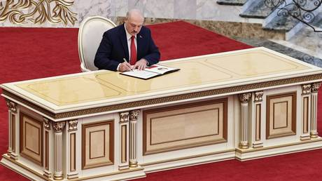 Brussels vs. Lukashenko: EU to impose additional sanctions on Minsk, targeting both President and his son, sources tell TASS