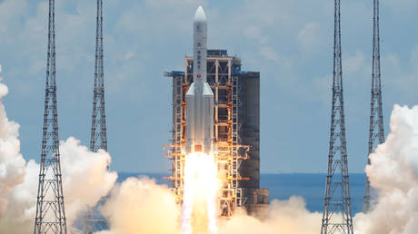 The Long March 5 Y-4 rocket, carrying an unmanned Mars probe of the Tianwen-1 mission, takes off from Wenchang Space Launch Center in Wenchang, Hainan Province, China