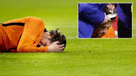 'Like the Walking Dead': Dutch star Hateboer plays on after having head wound STAPLED UP following horror head clash (PHOTOS)