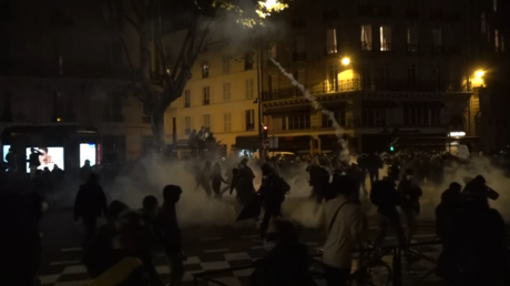 WATCH: French police unleash tear gas & water cannons at protests against new draconian 'Comprehensive Security Law'