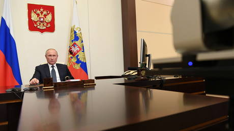 Putin extends Crimea-related counter-sanctions against Western states for another year