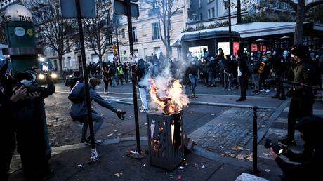 Tensions rising amid protest against 'Global Security' bill in Paris. © AFP / Stephane de Sakutin