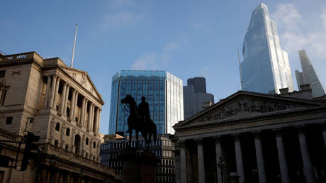 FILE PHOTO: The Bank of England and the City of London financial district © Reuters / John Sibley