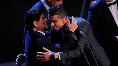 Maradona and Ronaldo pictured at the FIFA Best Awards in 2017. © Reuters