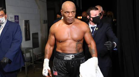 Mike Tyson says he smoked marijuana before his boxing match with Roy Jones Jr © Joe Scarnici / USA Today Sports via Reuters