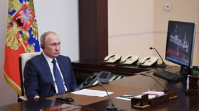 Putin announces that Russian peacekeepers are headed for Nagorno-Karabakh as Azerbaijan & Armenia sign suprise midnight armistice