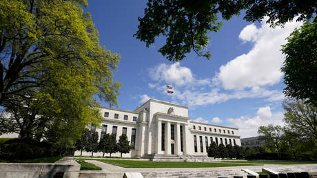 FILE PHOTO: The Federal Reserve building, Washington, U.S., May 1, 2020