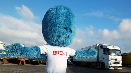 A blue furry monster known as the 'Brexit Monster' makes an appearance in the port of Rotterdam, Netherlands, December 1, 2020. © Reuters / Bart Biesemans