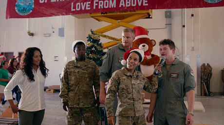 Operation Christmas Drop (2020) Dir: Martin Wood © Netflix