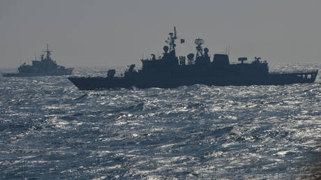FILE PHOTO. War ships of the NATO Standing Maritime Group-2 take part in a military drill on the Black Sea, 60km from Constanta city © AFP / DANIEL MIHAILESCU