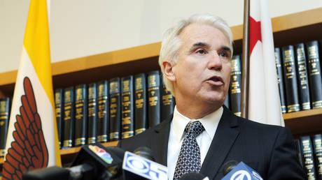 George Gascon, alors DA à San Francisco, s'exprime lors d'une conférence de presse en 2012.