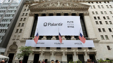 A banner featuring the logo of Palantir Technologies (PLTR) is hung at the New York Stock Exchange (NYSE) on the day of their initial public offering (IPO) in Manhattan, New York City, U.S., September 30, 2020