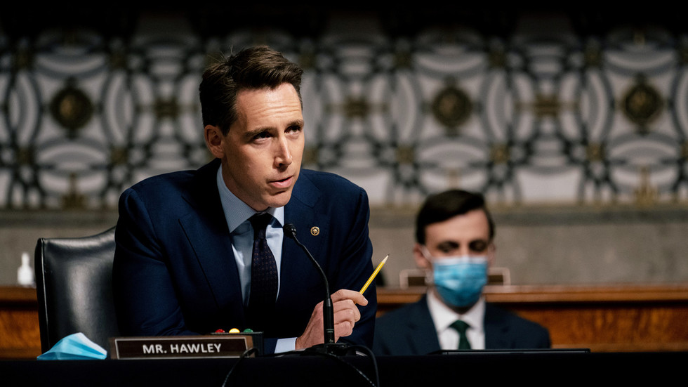 rt.com - RT - Senator Hawley finds new publisher after being blacklisted over Capitol riot… and his old publisher will have to distribute it