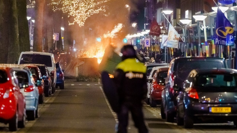 Unrest erupts in Dutch cities for third night in a row in pushback against Covid curbs