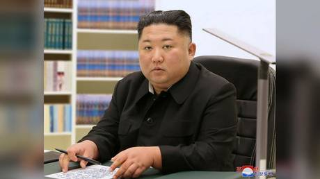 North Korean leader Kim Jong Un pens a a letter on New Year.